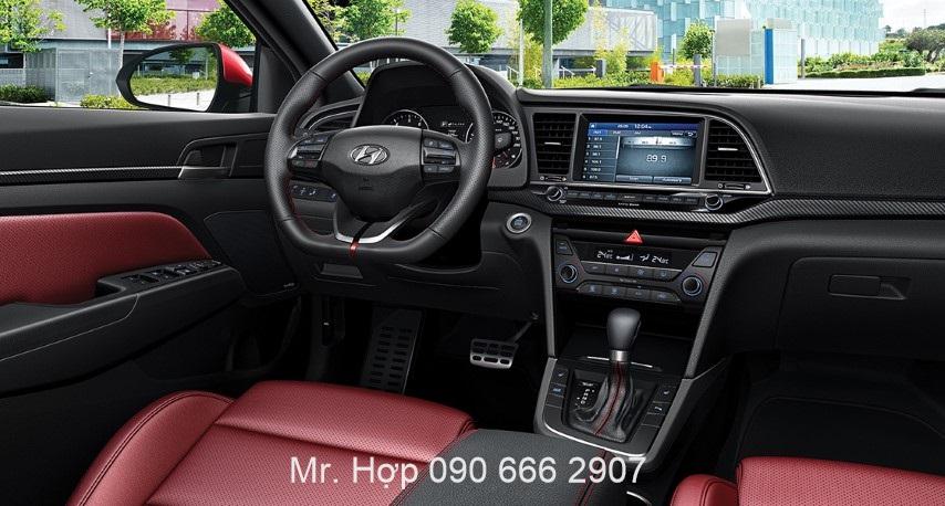 Hyundai Elantra Noi That