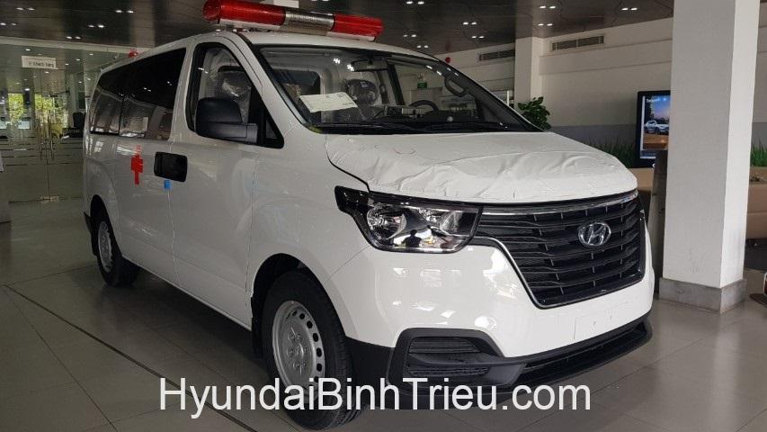 Hyundai Starex Cuu Thuong 2019 Den Truoc
