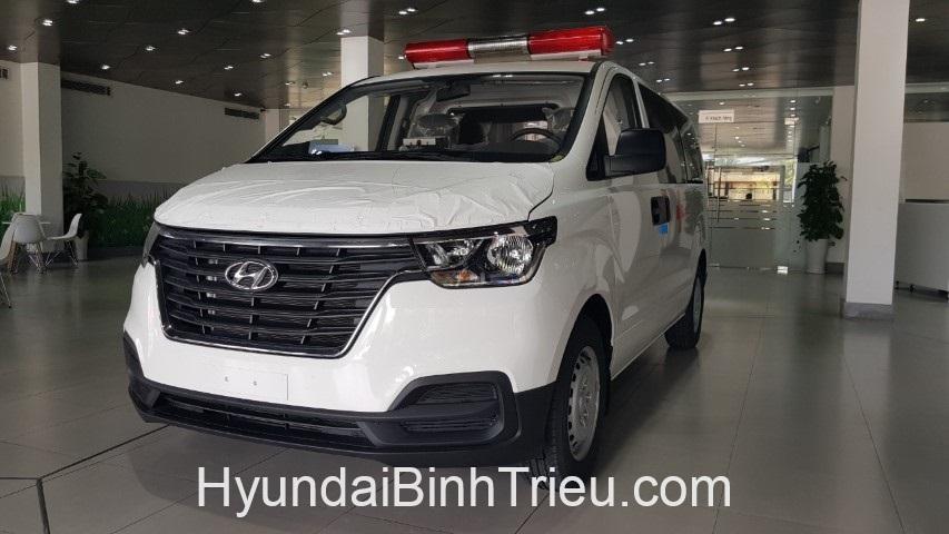 Giá xe Hyundai Starex cứu thương nhập khẩu ưu đãi hấp dẫn