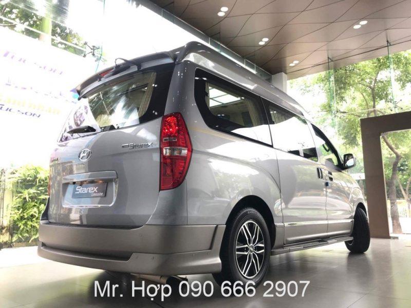 Hyundai Starex Limousine Den Hau