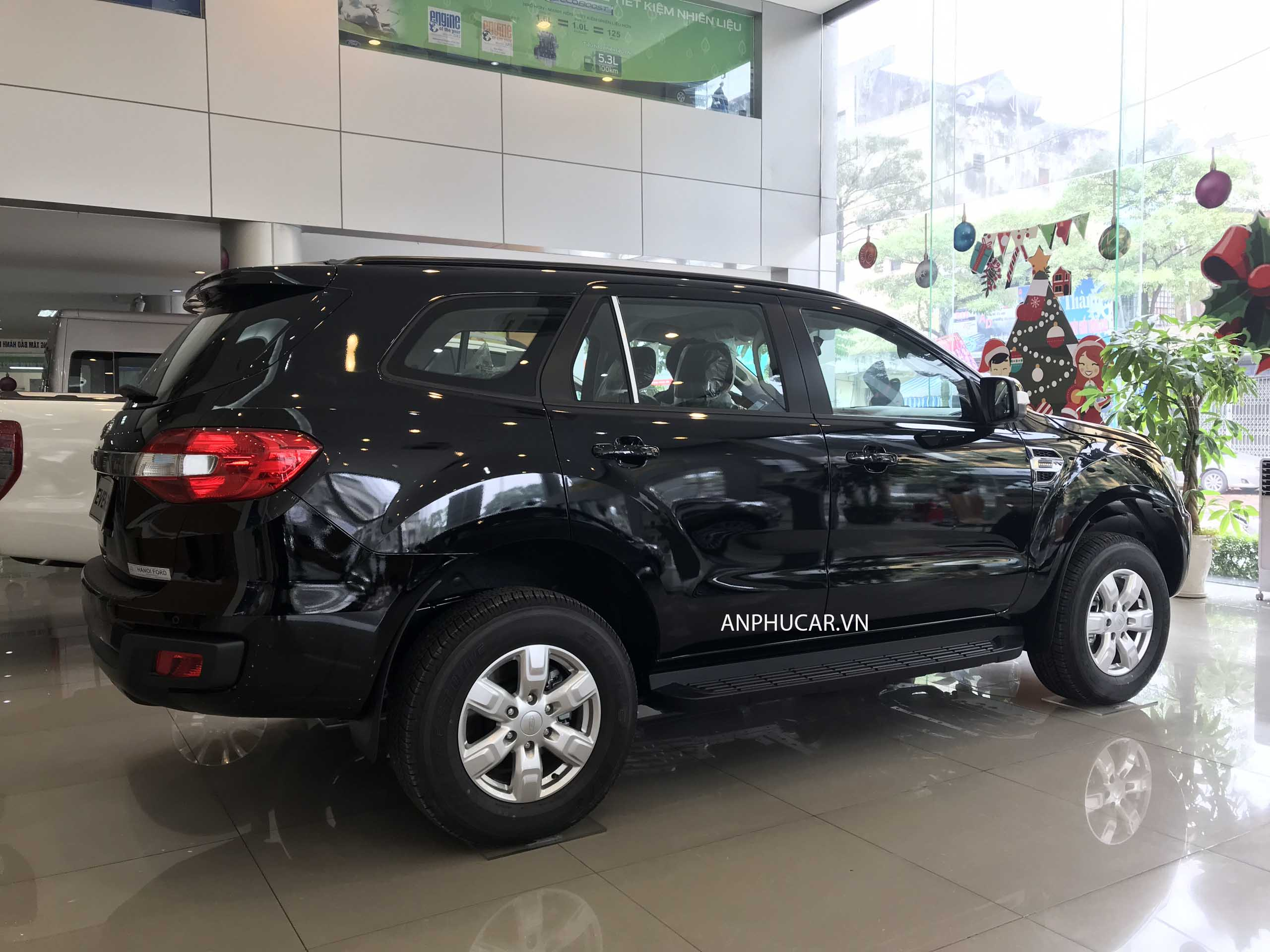 ngoai that Ford Everest Ambiente 2.0L AT 2019