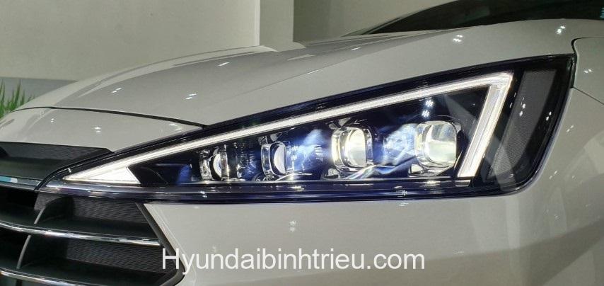 Hyundai Elantra 2020 Den Xe