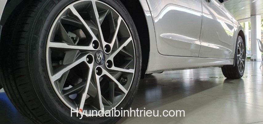 Hyundai Elantra 2020 Mam Xe