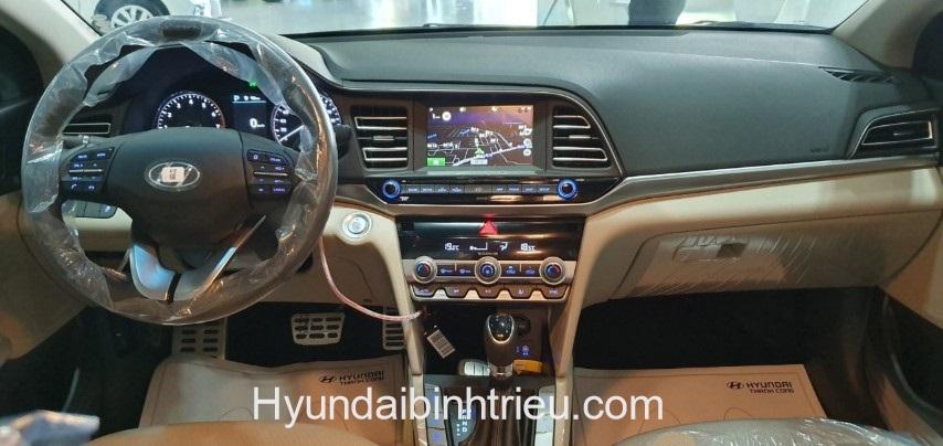 Hyundai Elantra 2020 Man Hinh