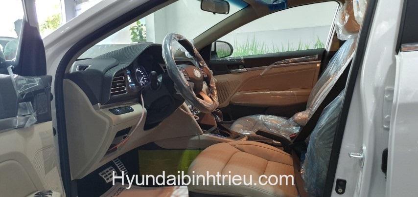 Hyundai Elantra 2020 Vo Lang