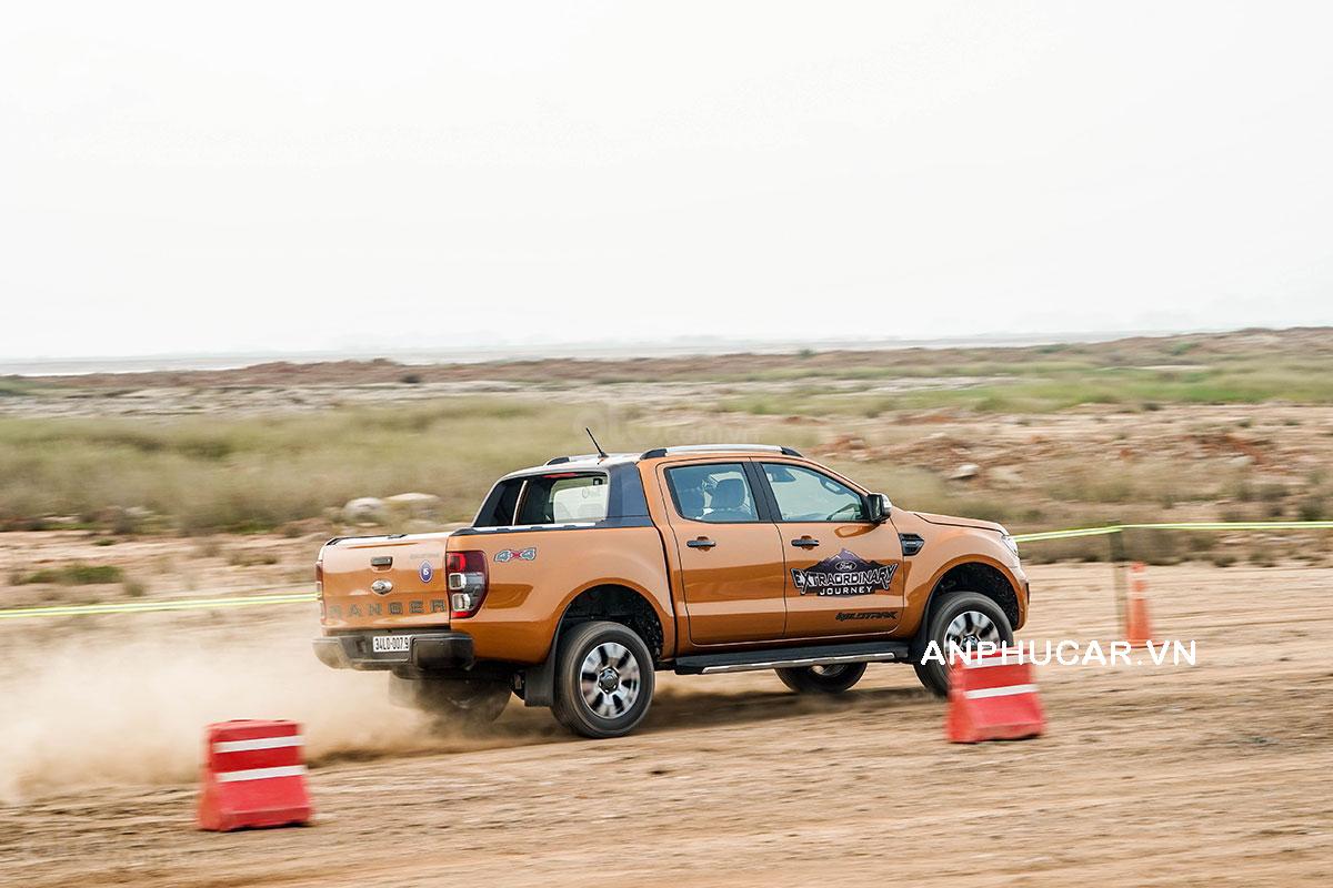 Đánh giá xe Ford Ranger 2020