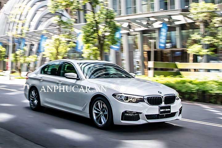 Giá xe BMW 530i 2020