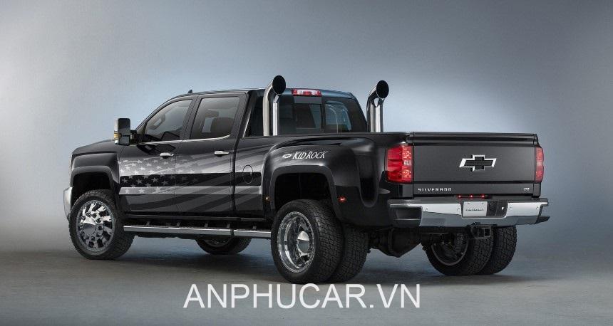 Chevrolet Colorado 2020. duoi xe