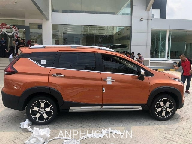 than xe mitsubishi xpander cross 2020